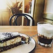 CAFE AMOS