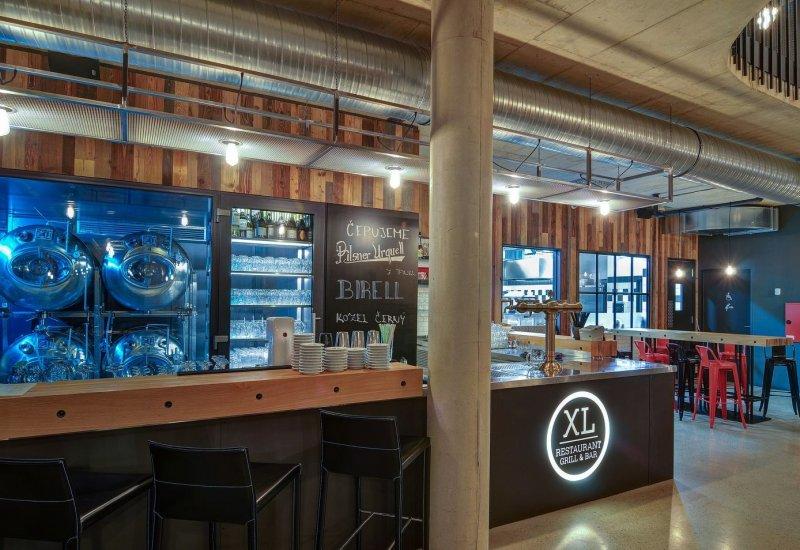 XL Restaurant Grill & Bar