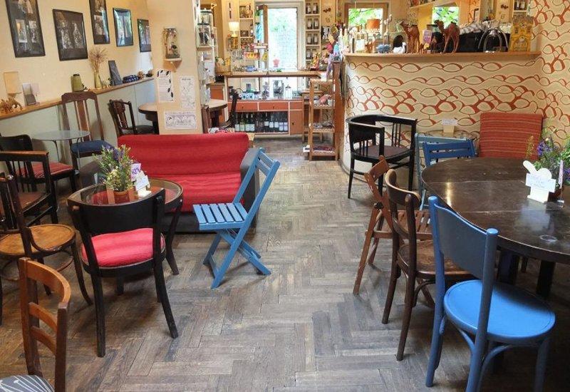 Velbloud Café