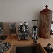 Family coffee & bistro